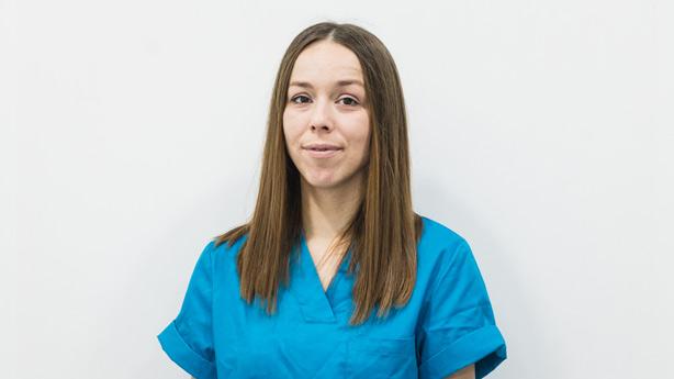 Angela Merenciano Auxiliar Veterinaria