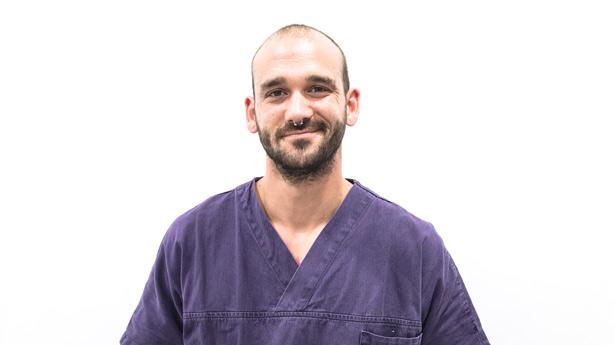 Jonathan Segura Auxiliar Veterinario