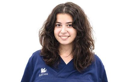 Edith Hernández auxiliar veterinario anicura valencia sur